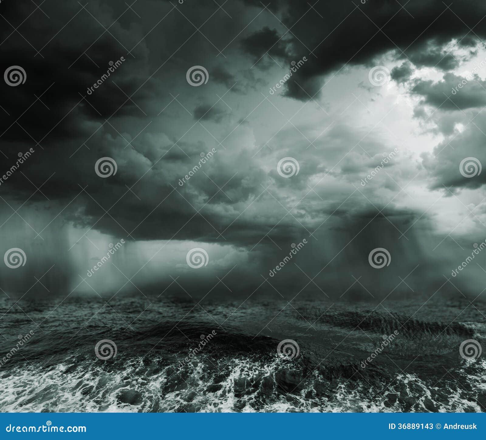 Download Oceano tempestoso immagine stock. Immagine di ciclone - 36889143
