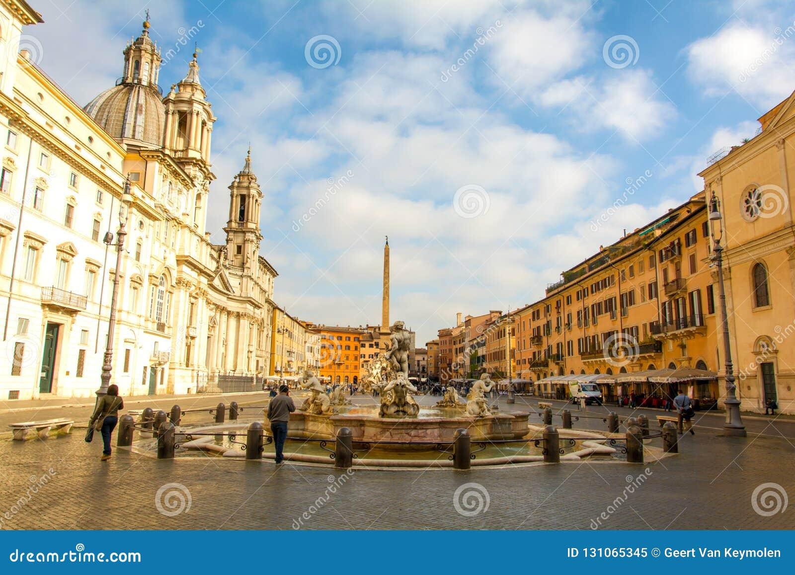 Ochtendmening van Piazza Navona in Rome