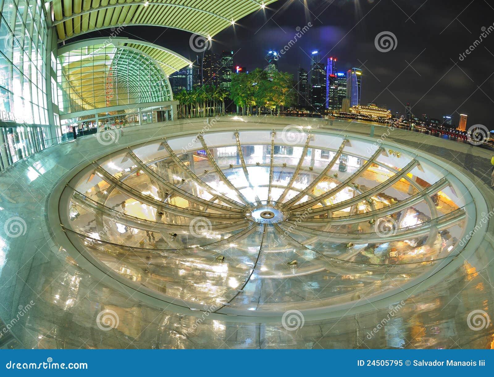 Oculus bij het Zand van de Baai van de Jachthaven, Singapore