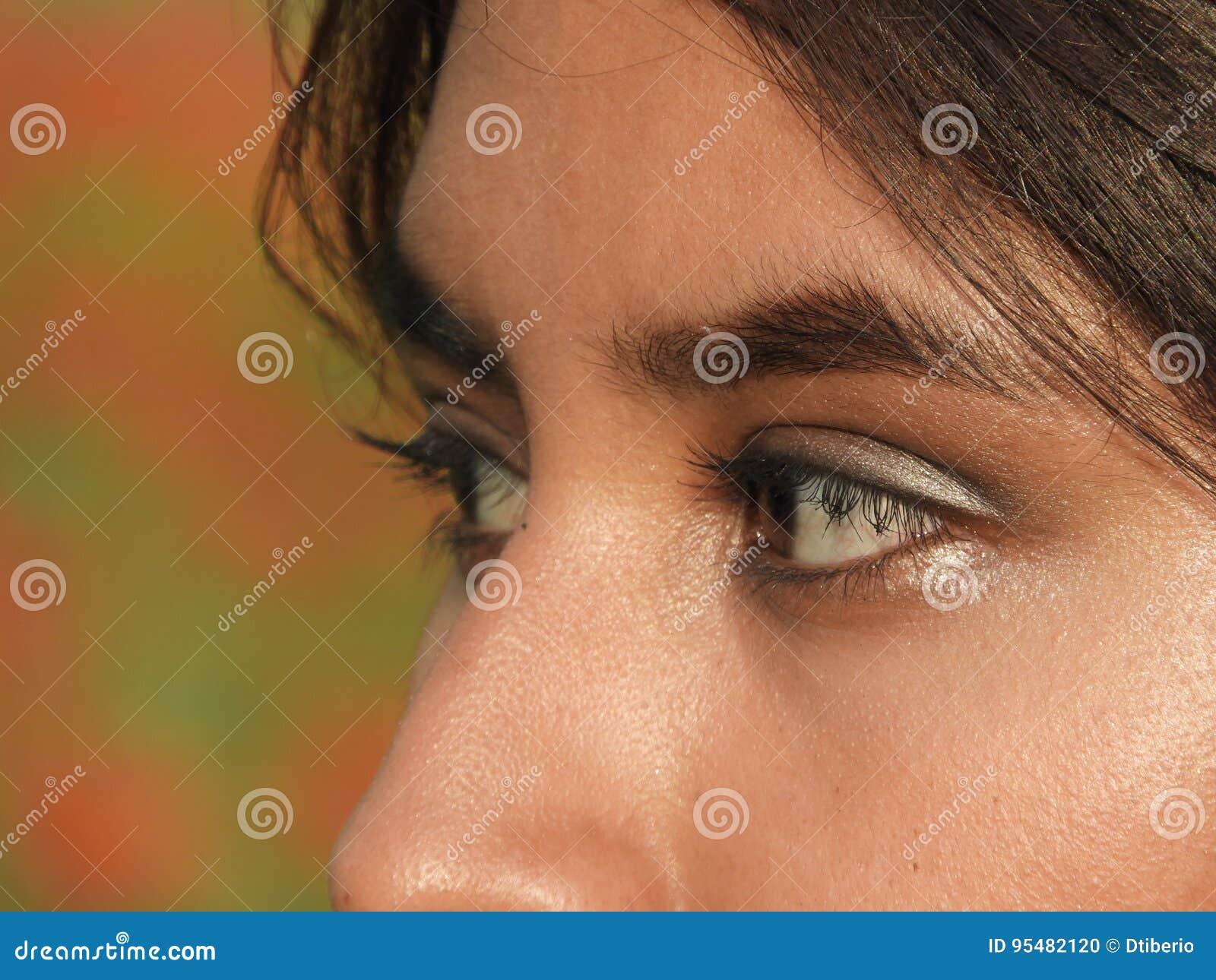 Oczy Latynoski Żeński nastolatek