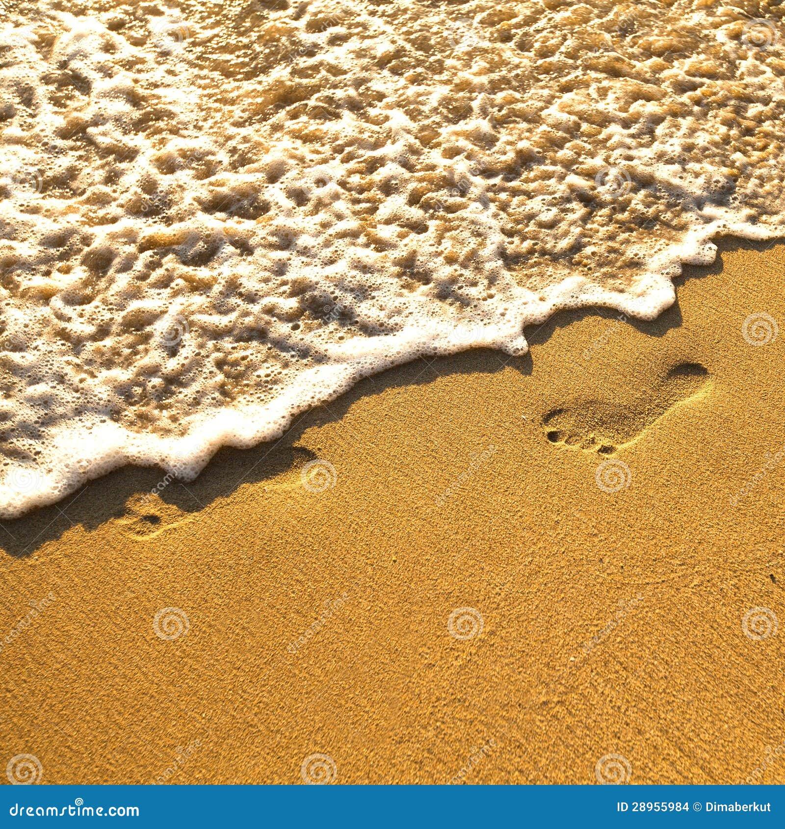 Odcisk stopy na piasku
