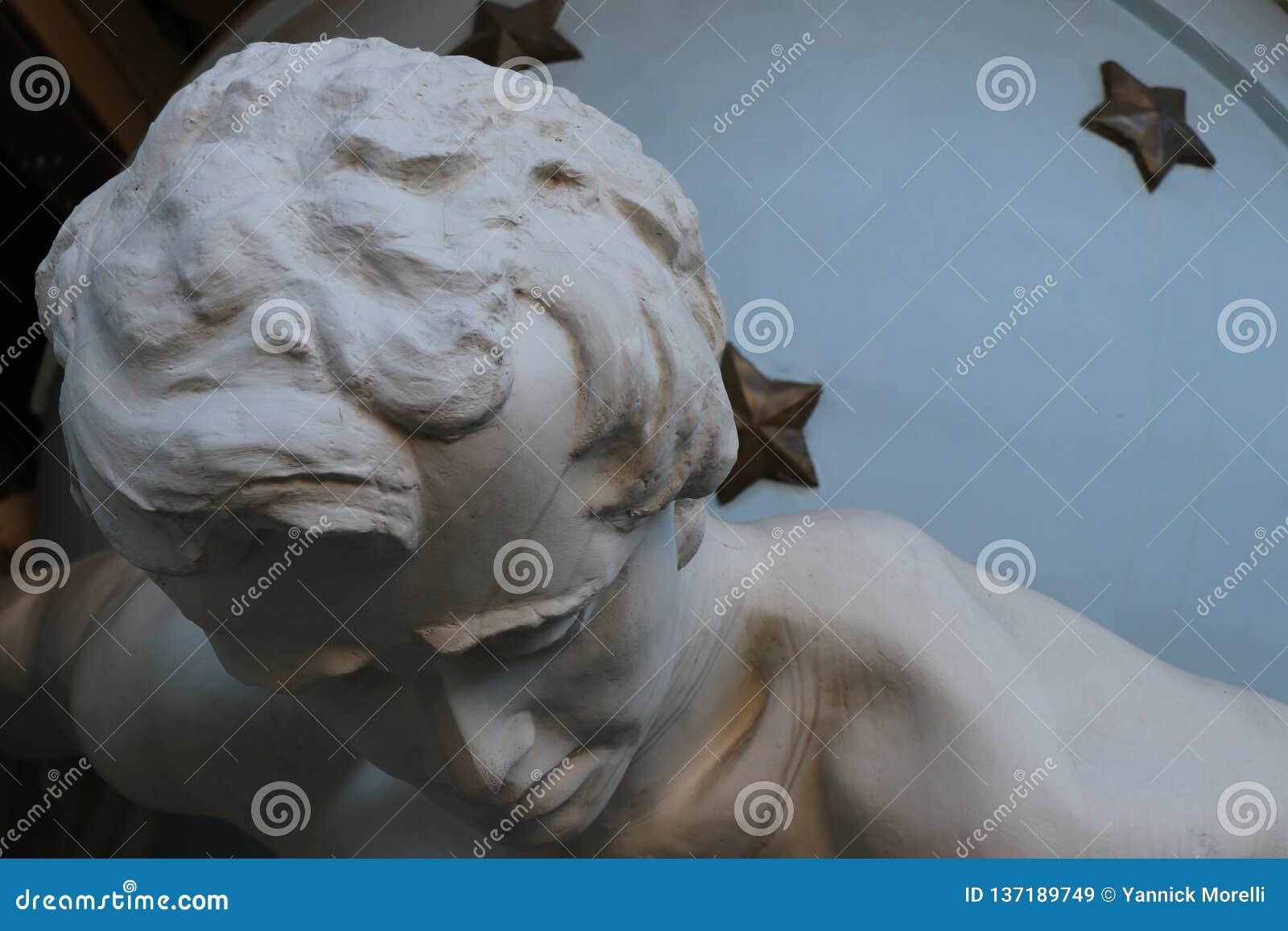 Odessa, de Oekraïne Voorgrond van het monument genoemd 'Huis met Atlanteas '