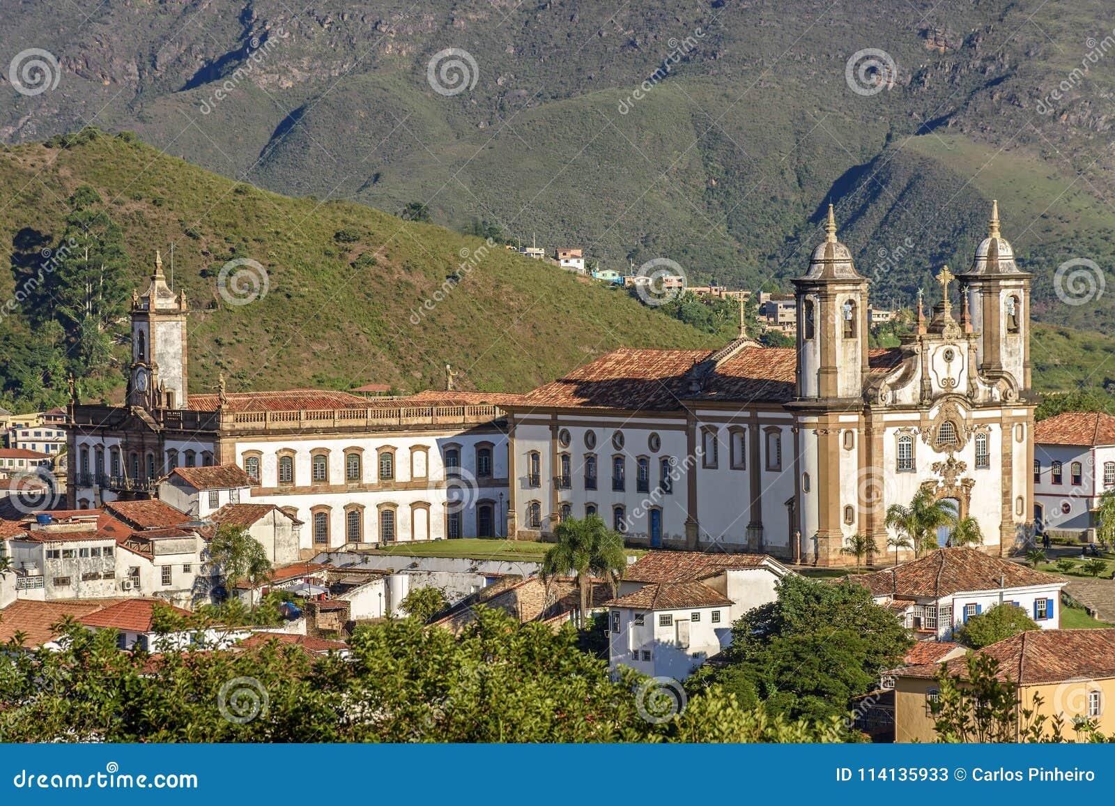Odgórny widok centrum historyczny Ouro Preto miasto w minas gerais, Brazylia