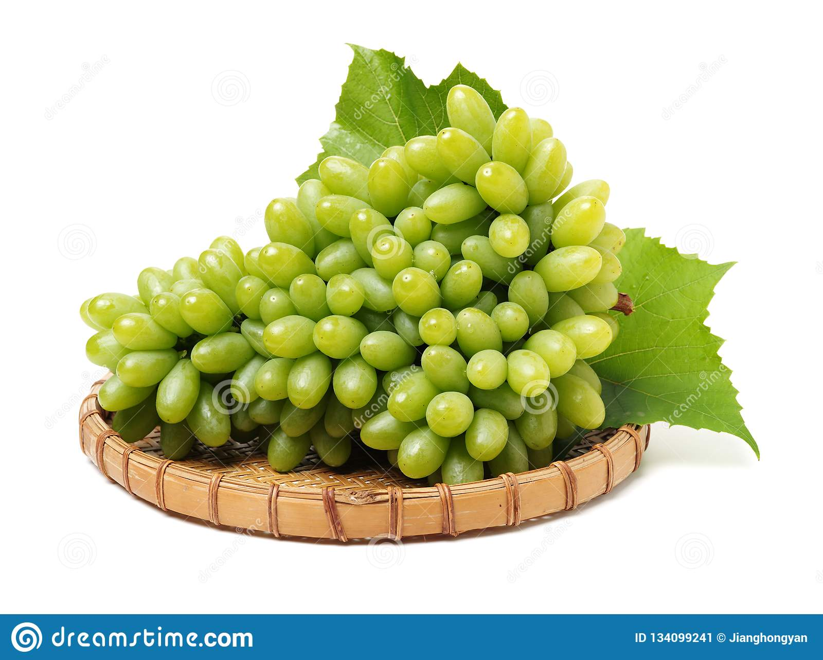 Odizolowywająca winogrono świeża zieleń opuszczać biel grapefruits