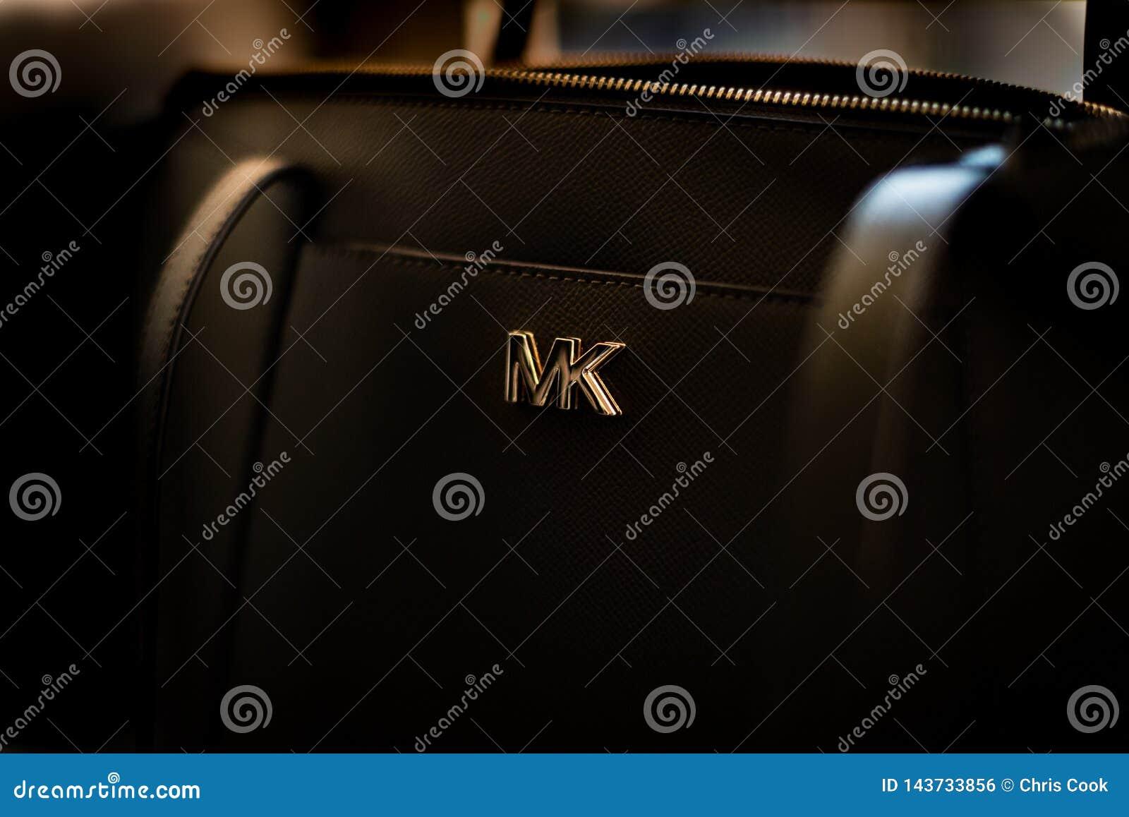 Odosobniony zakończenie w górę czarnego Michael Korso handbagand logo