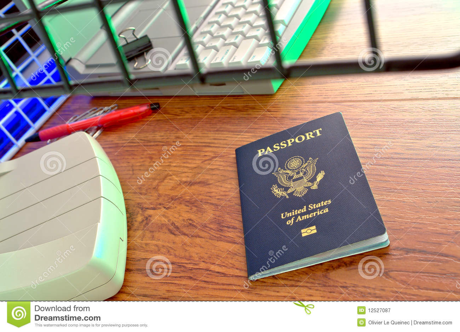 Odpierających zwyczajów cudzoziemski imigracyjny paszport my