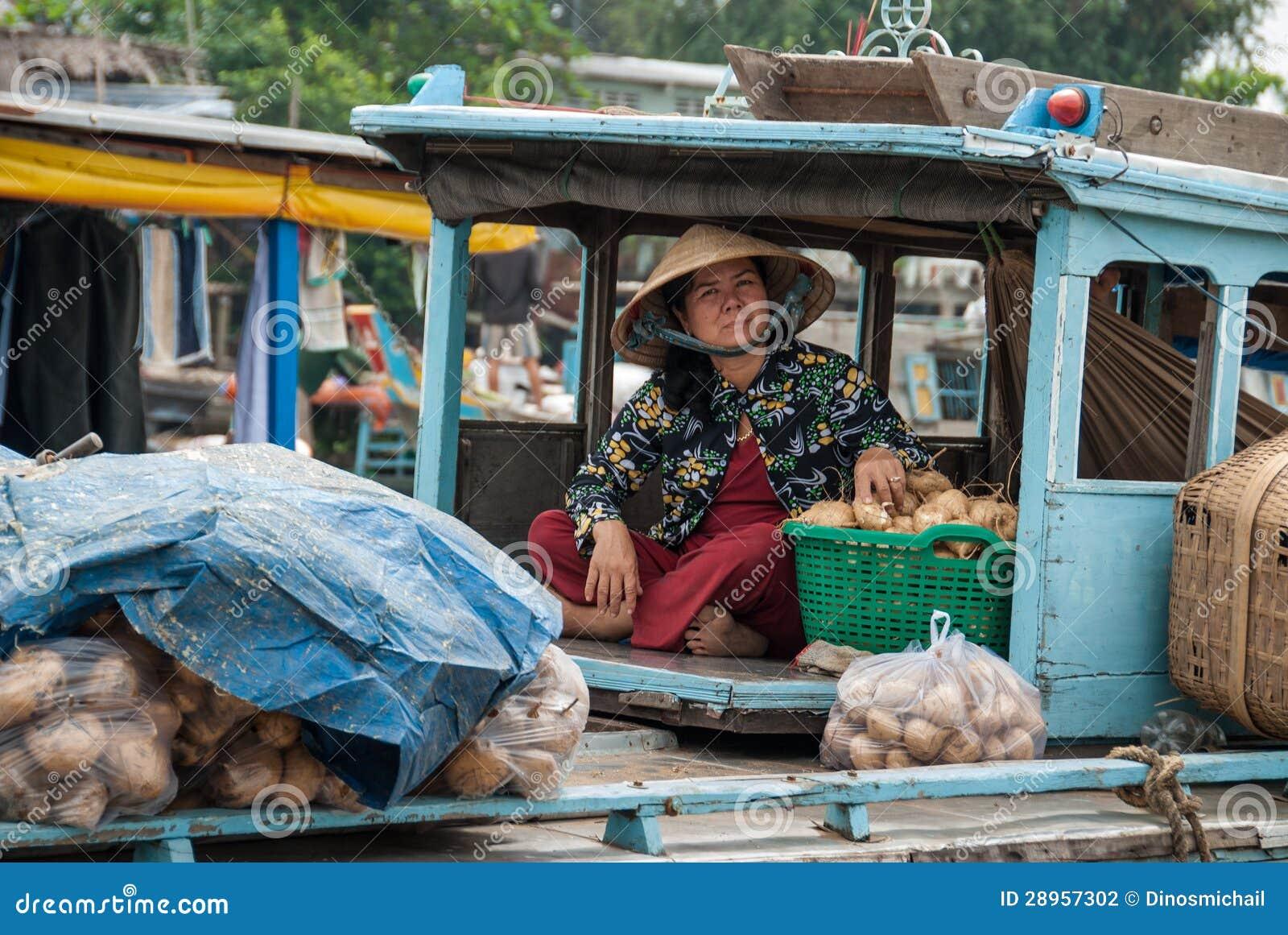 Odtransportowań warzywa w Mekong delcie, Wietnam