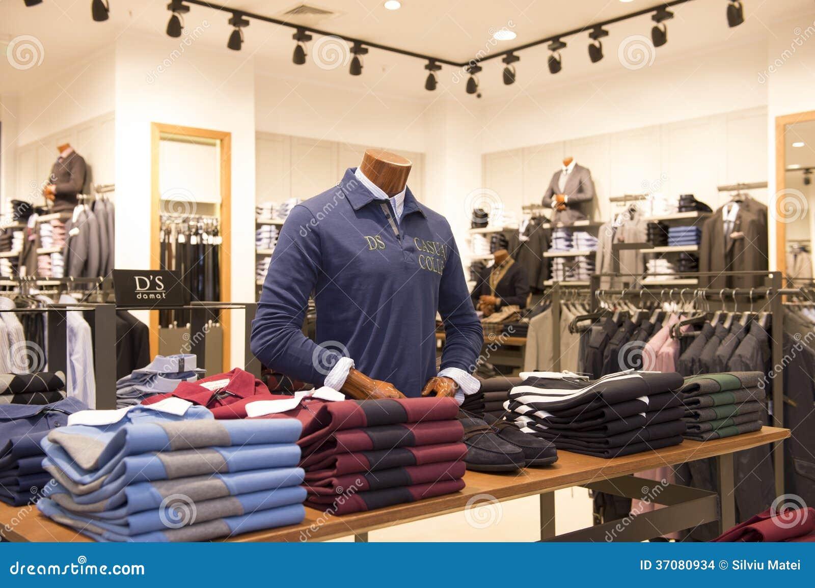 Download Odziewa w sklepie obraz stock editorial. Obraz złożonej z mall - 37080934