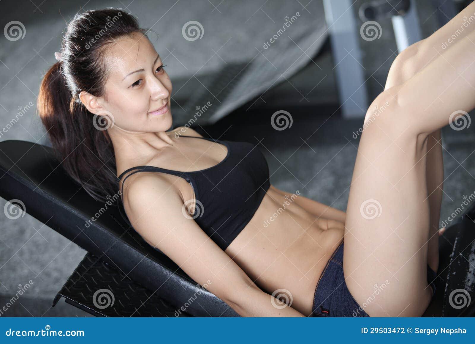 Oefeningen om de spieren van de benen te versterken