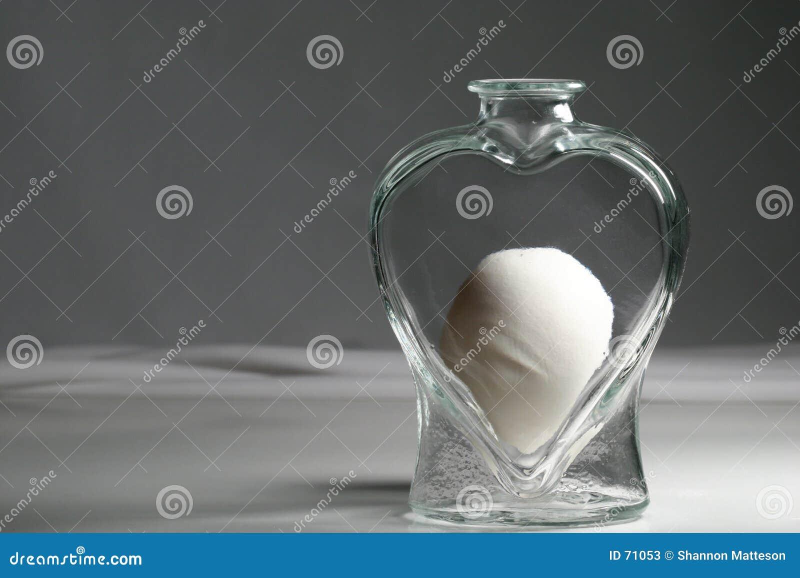Oeuf dans le choc de coeur