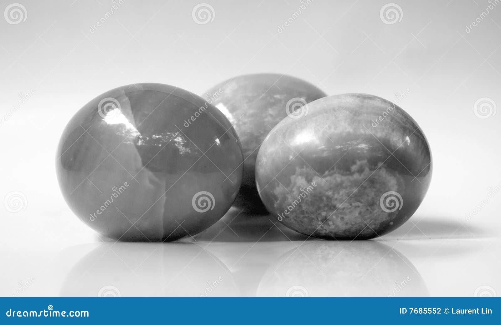 Oeuf de marbre noir et blanc photographie stock image 7685552 - Marbre noir et blanc ...