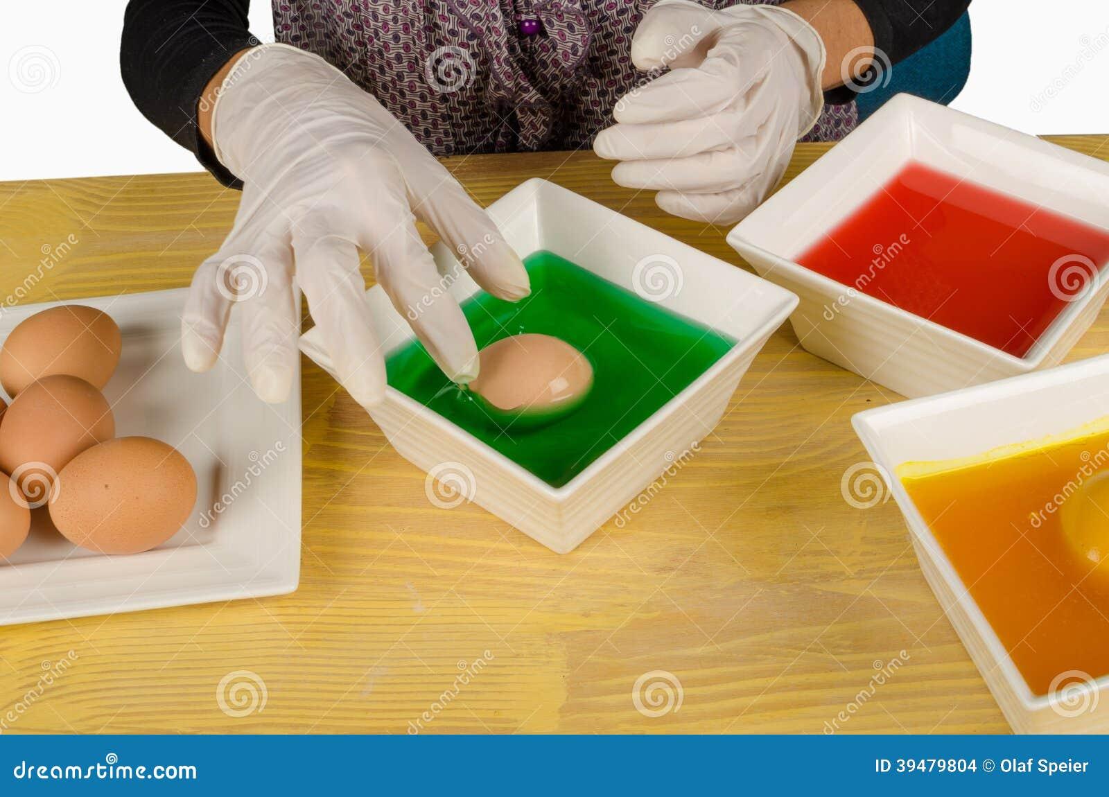 Oeufs de pâques de coloration