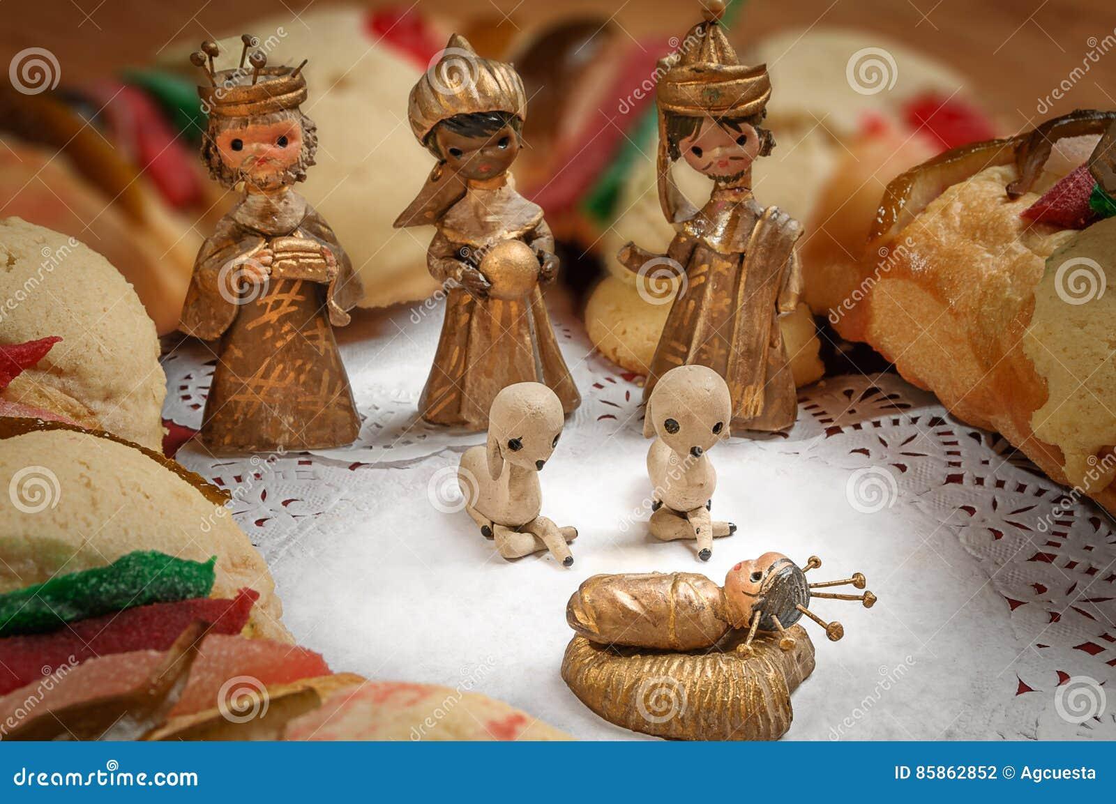 Offenbarungskuchen Konige Backen Oder Rosca De Reyes Zusammen