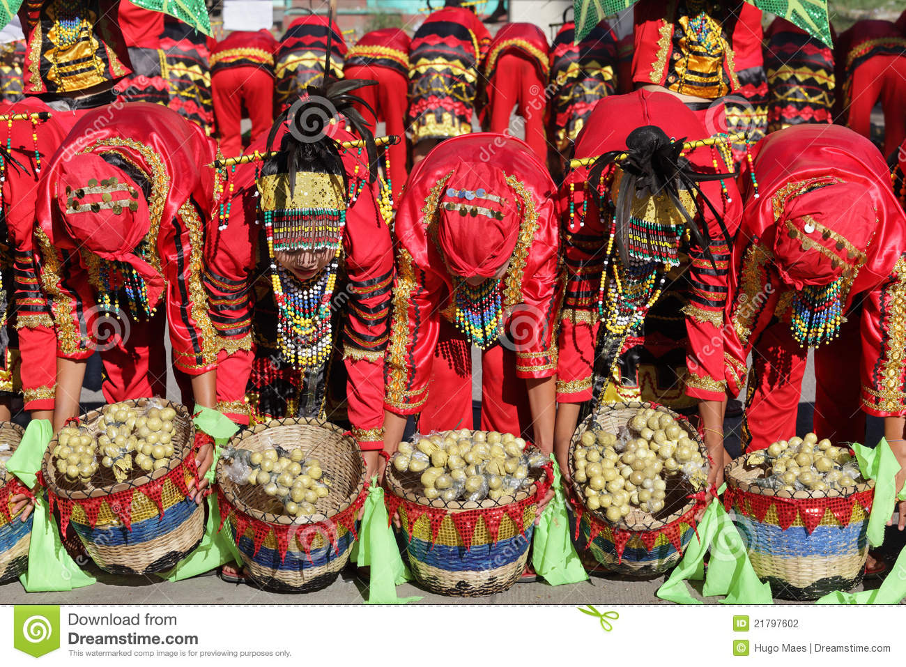 Displaying 19> Images For - Lanzones Festival...
