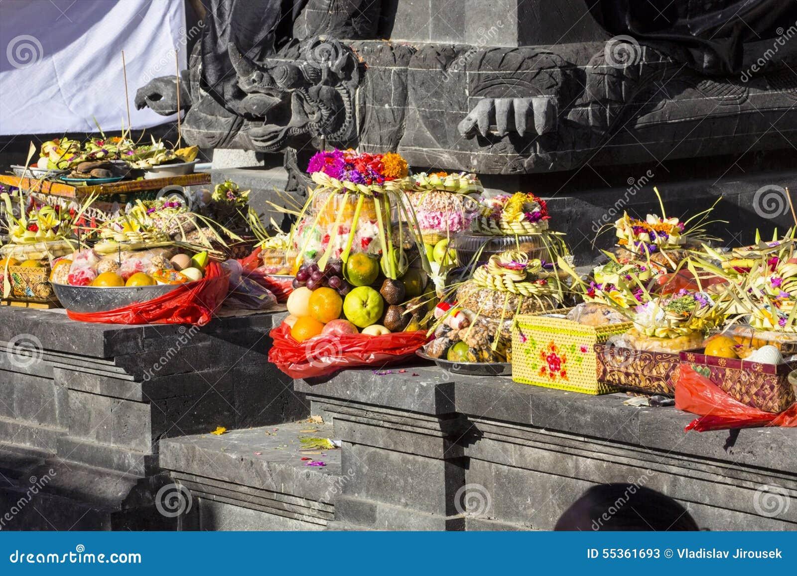 Offerti alle cerimonie indù, Nusa Penida, Indonesia