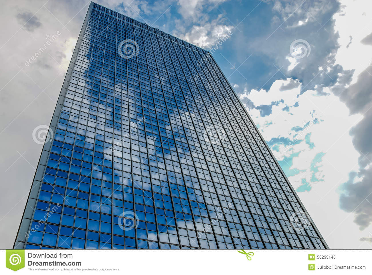 Office building in berlin germany with reflections in for Refection facade