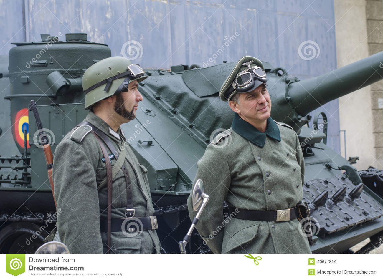 Officer And Soldier In Nazi Uniforms Editorial Stock Image