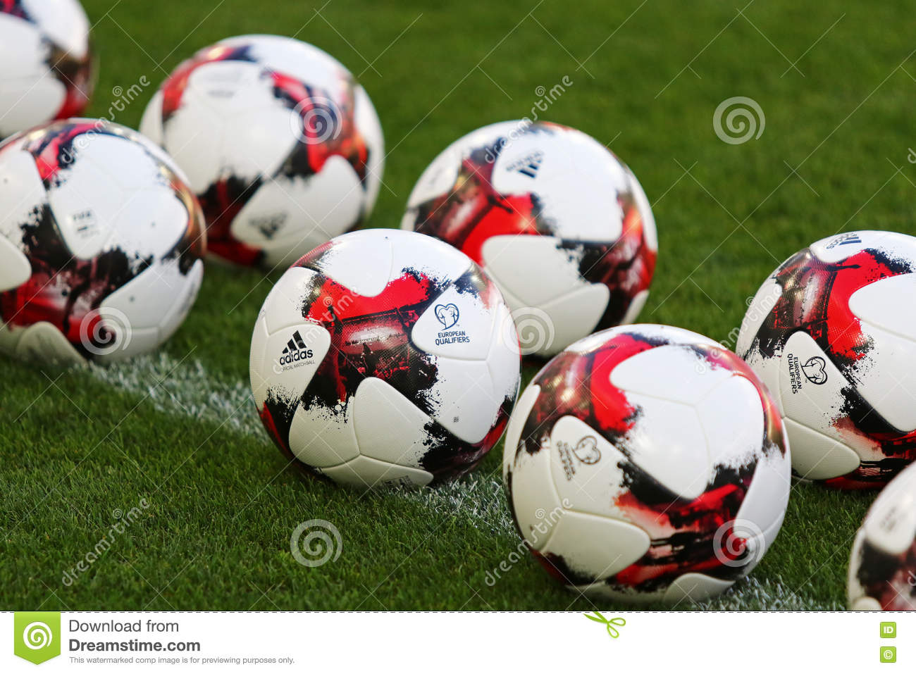Top Football Ball World Cup 2018 - official-match-balls-fifa-world-cup-kyiv-ukraine-august-qualifying-matches-grass-nsc-olympic-stadium-open-76668788  Pictures_362628 .jpg