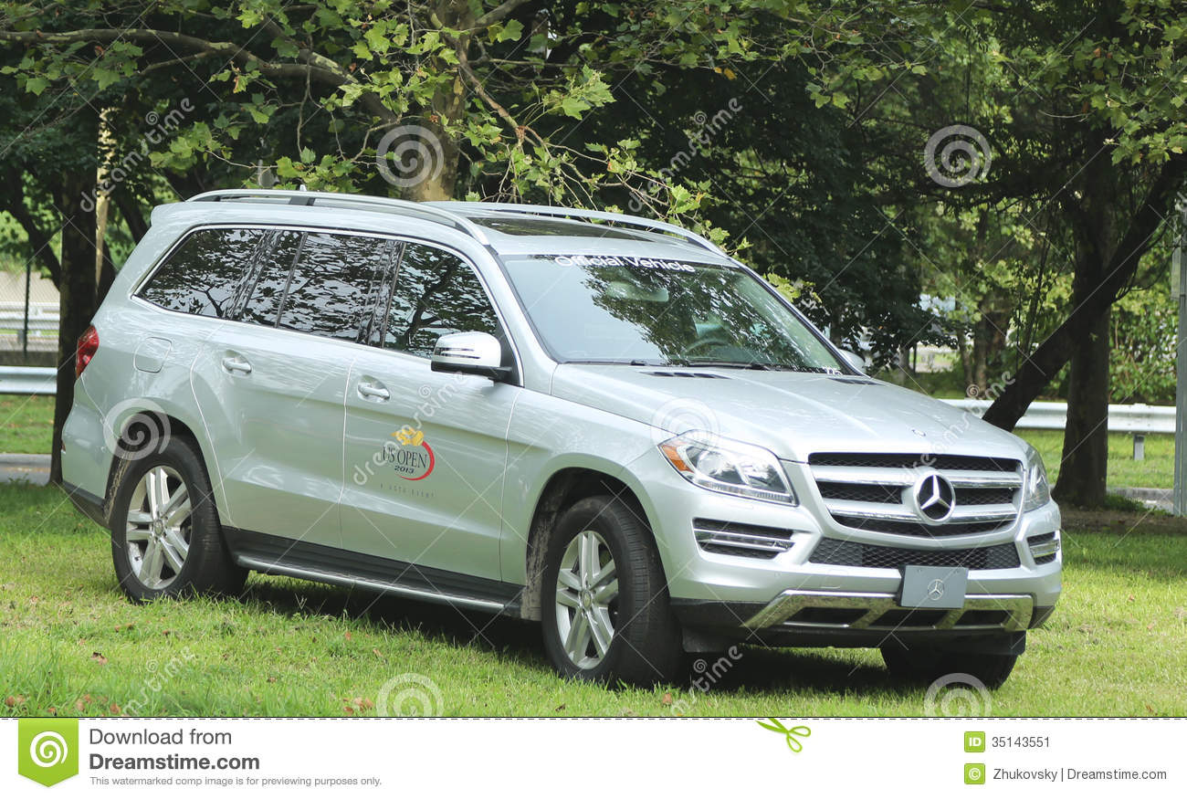 Official vehicle of the us open mercedes benz at national for Mercedes benz us open