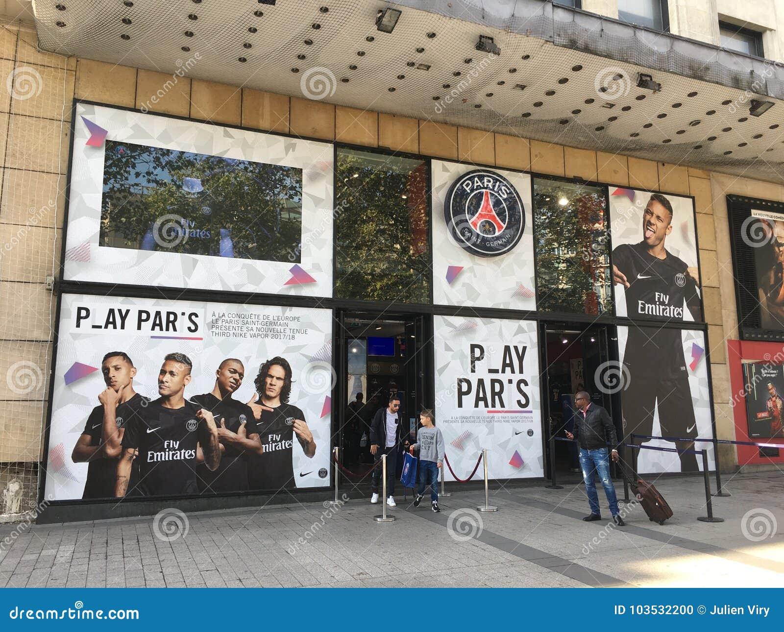 Offizieller Shop PSG auf Les Champs-Elysees Paris Frankreich
