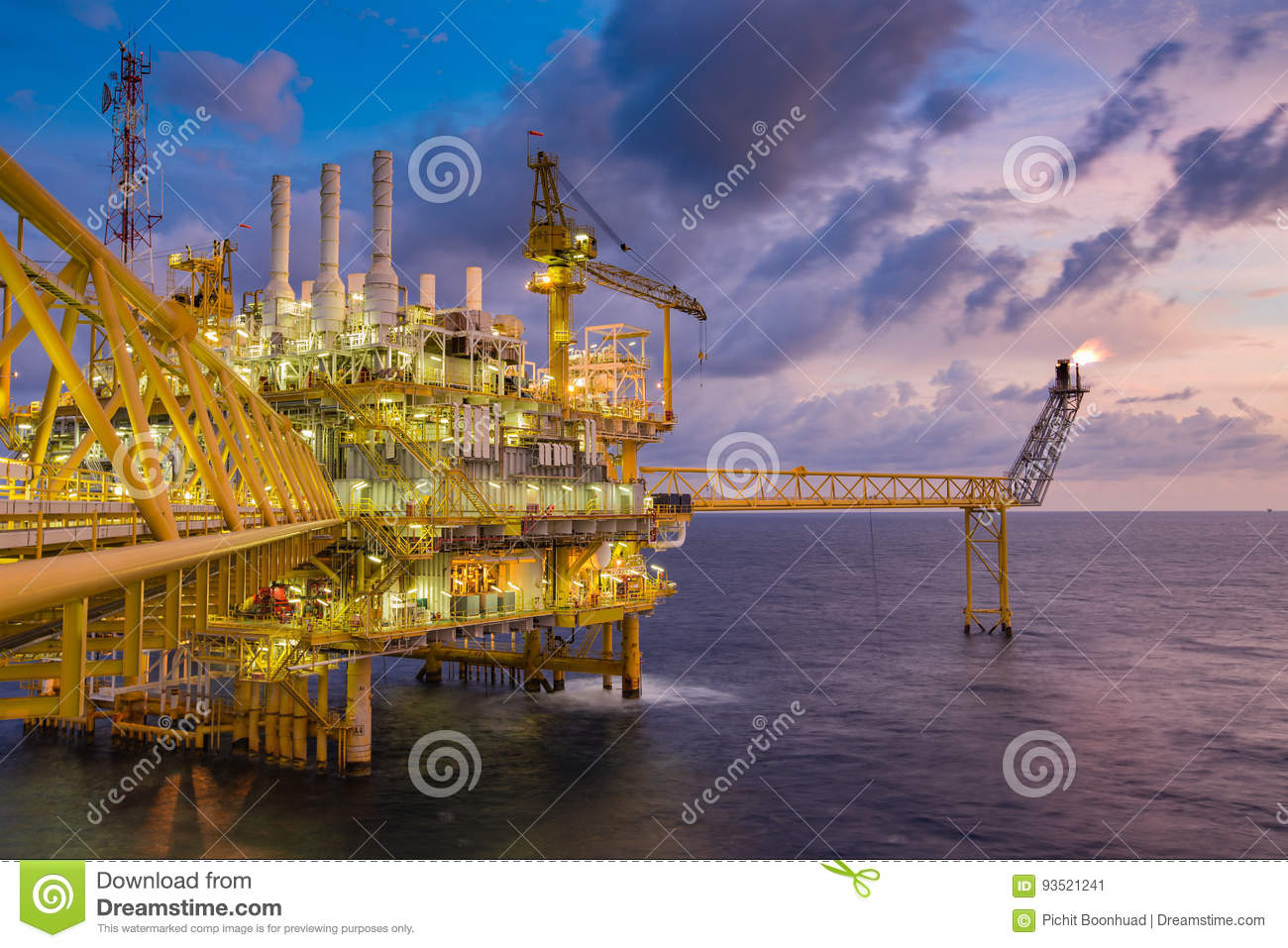 Offshore Oil And Gas Construction Platform Treat Gas Then Sent To