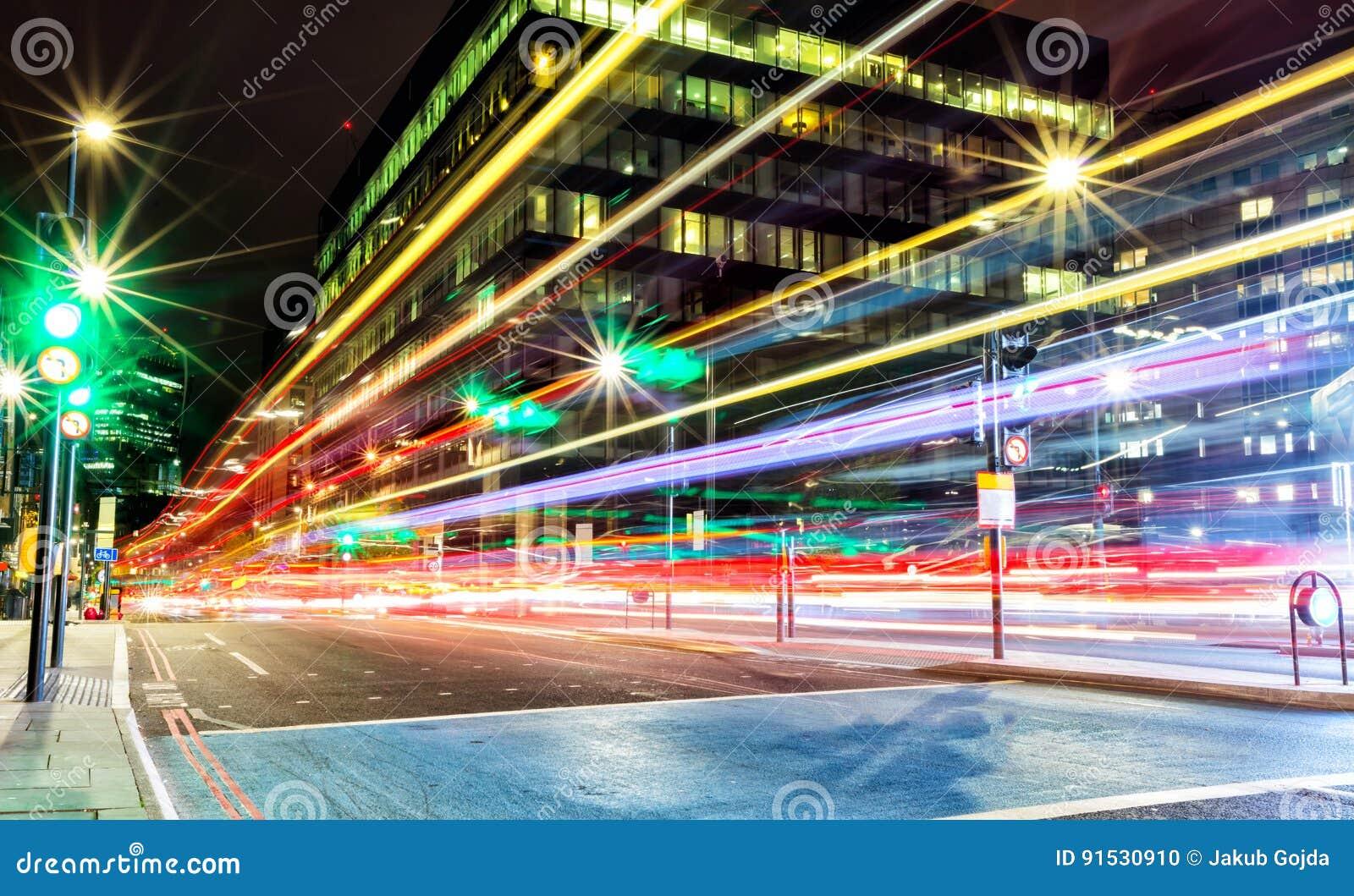 Offuschi i semafori in città moderna, l esposizione lunga