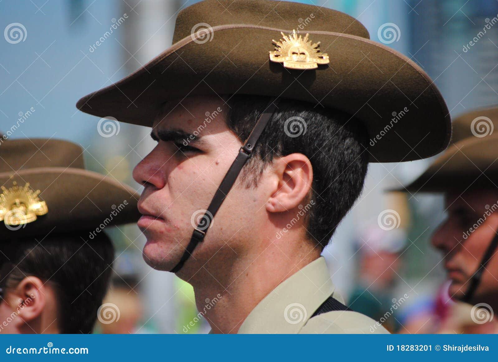 Oficial de ejército australiano en el desfile del día de Australia