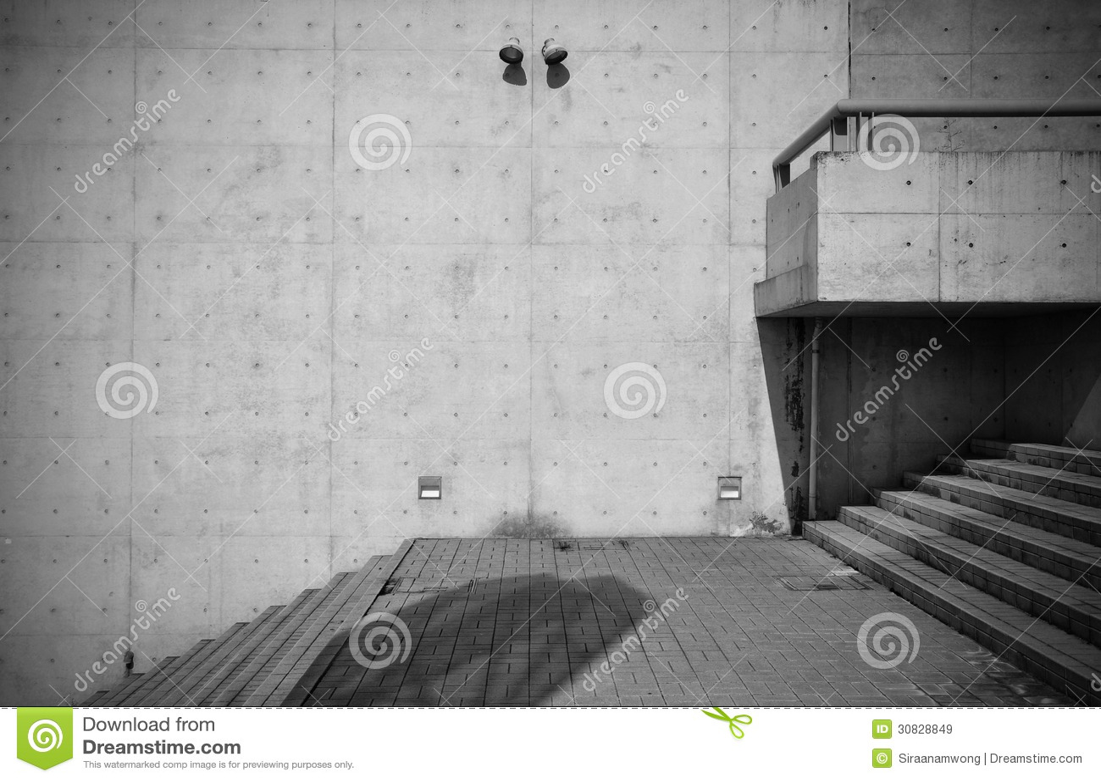 Ogołaca betonową architekturę