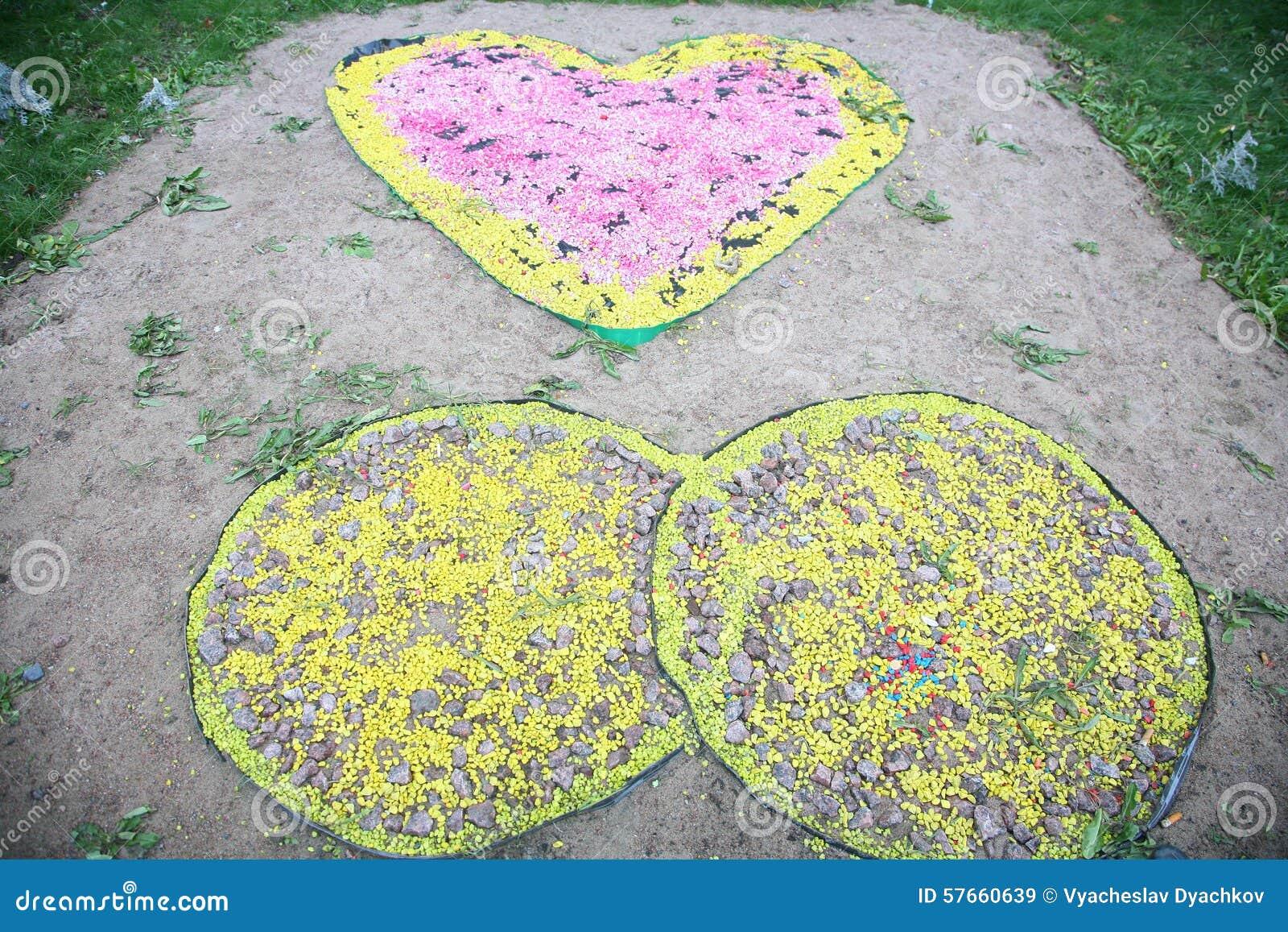 Ogrodowa i parkowa dekoracja malujący kamień