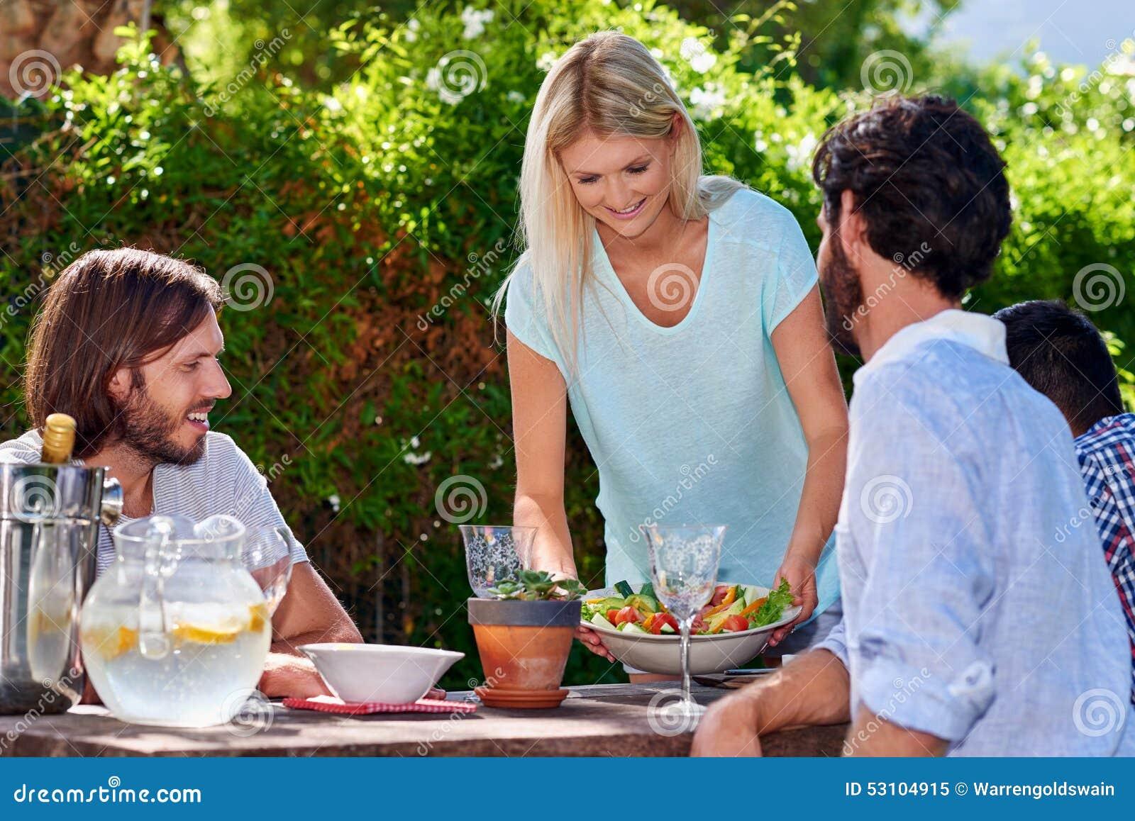 Ogrodowego przyjęcia sałatka