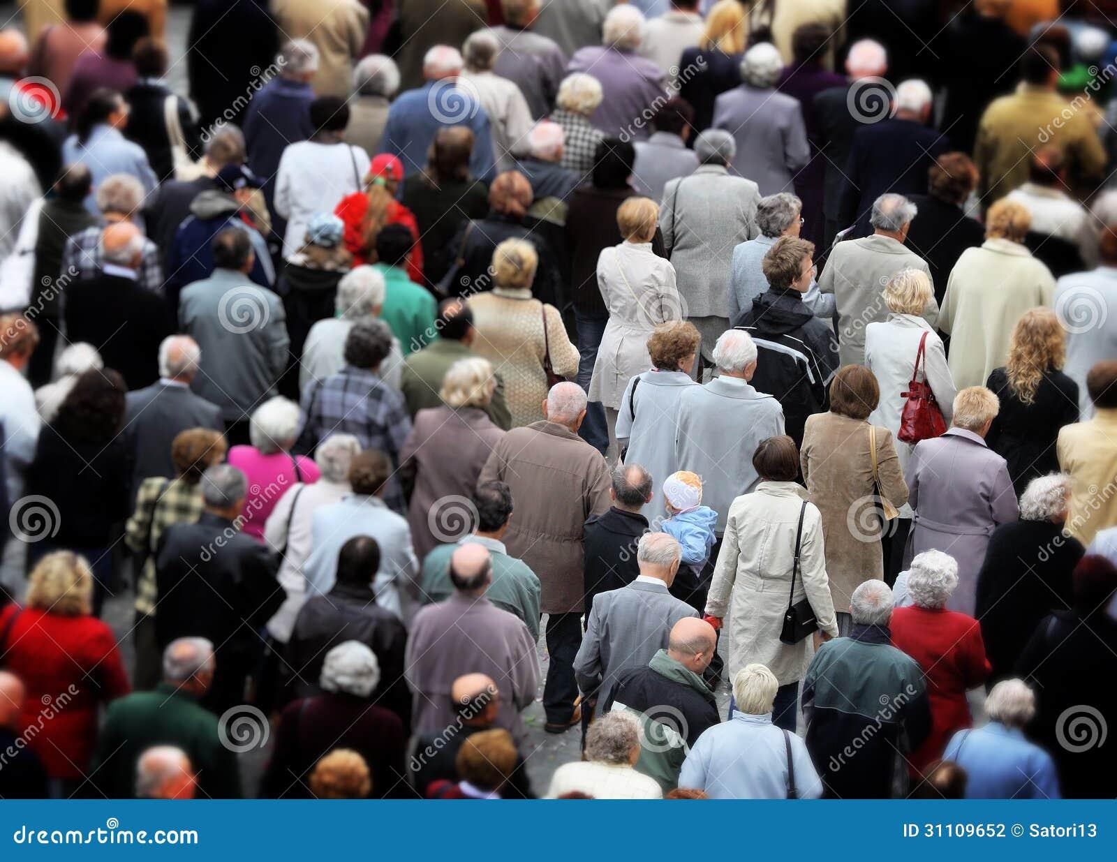 Ogromny tłum ludzie