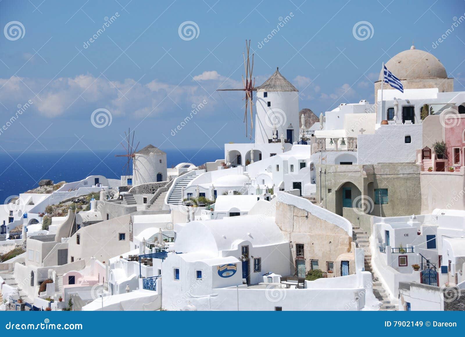 Santorini or Mykonos? – The 2017 Guide
