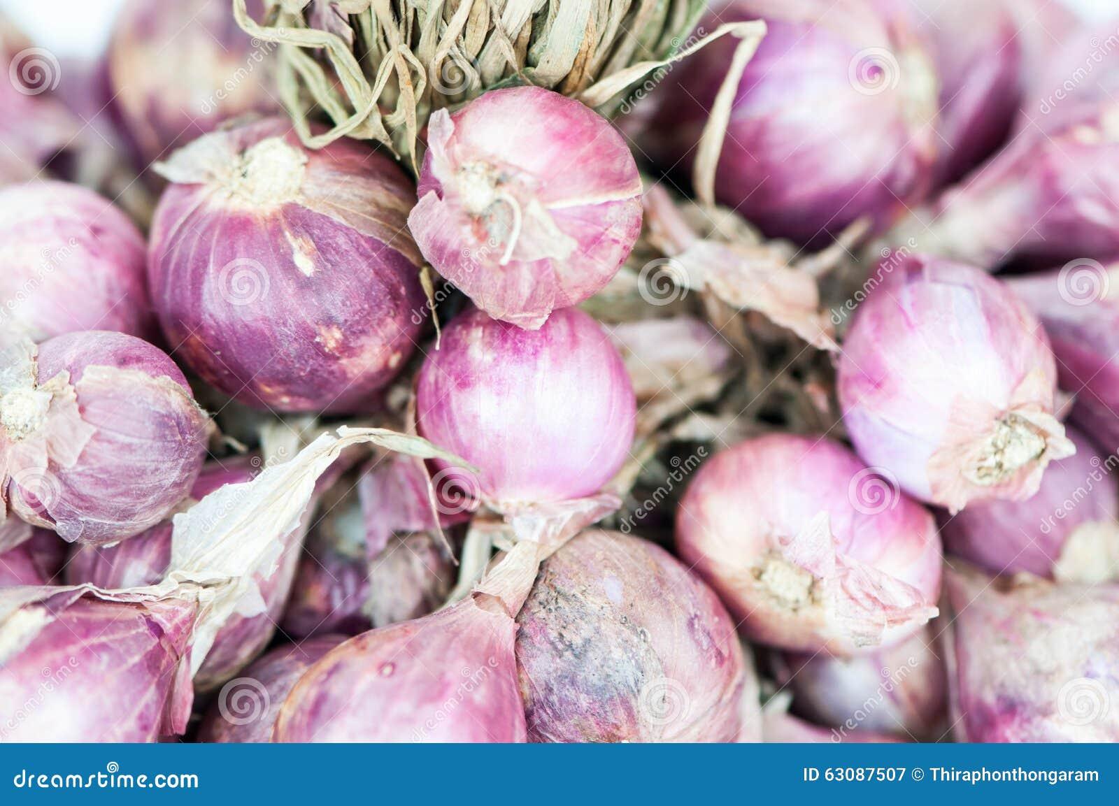 Download Oignon rouge image stock. Image du végétarien, fond, nutrition - 63087507