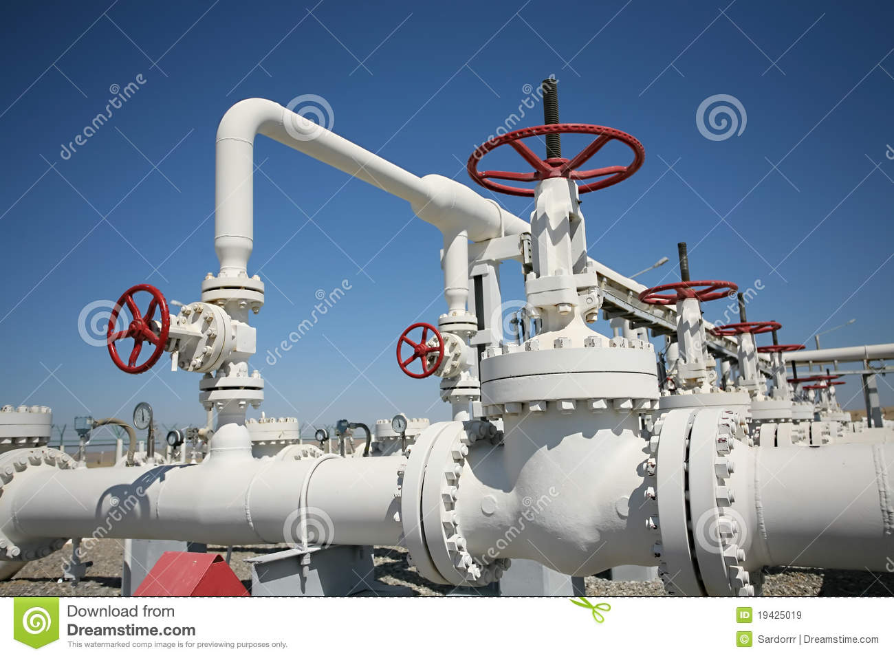 Oil and gas processing plant with pipe line va