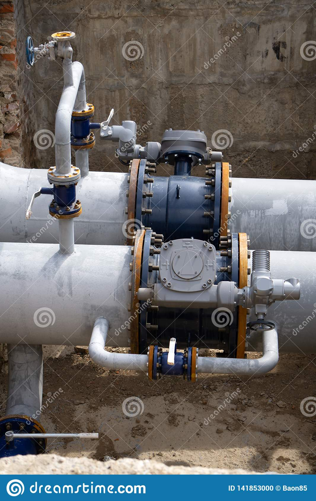 Oil pipes and valves system tube refinery