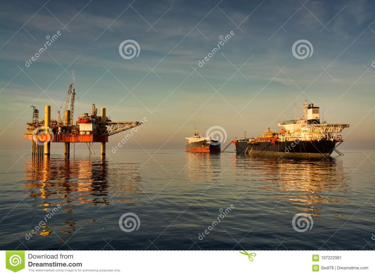 Oil platform with floating production storage and offloading FPSO