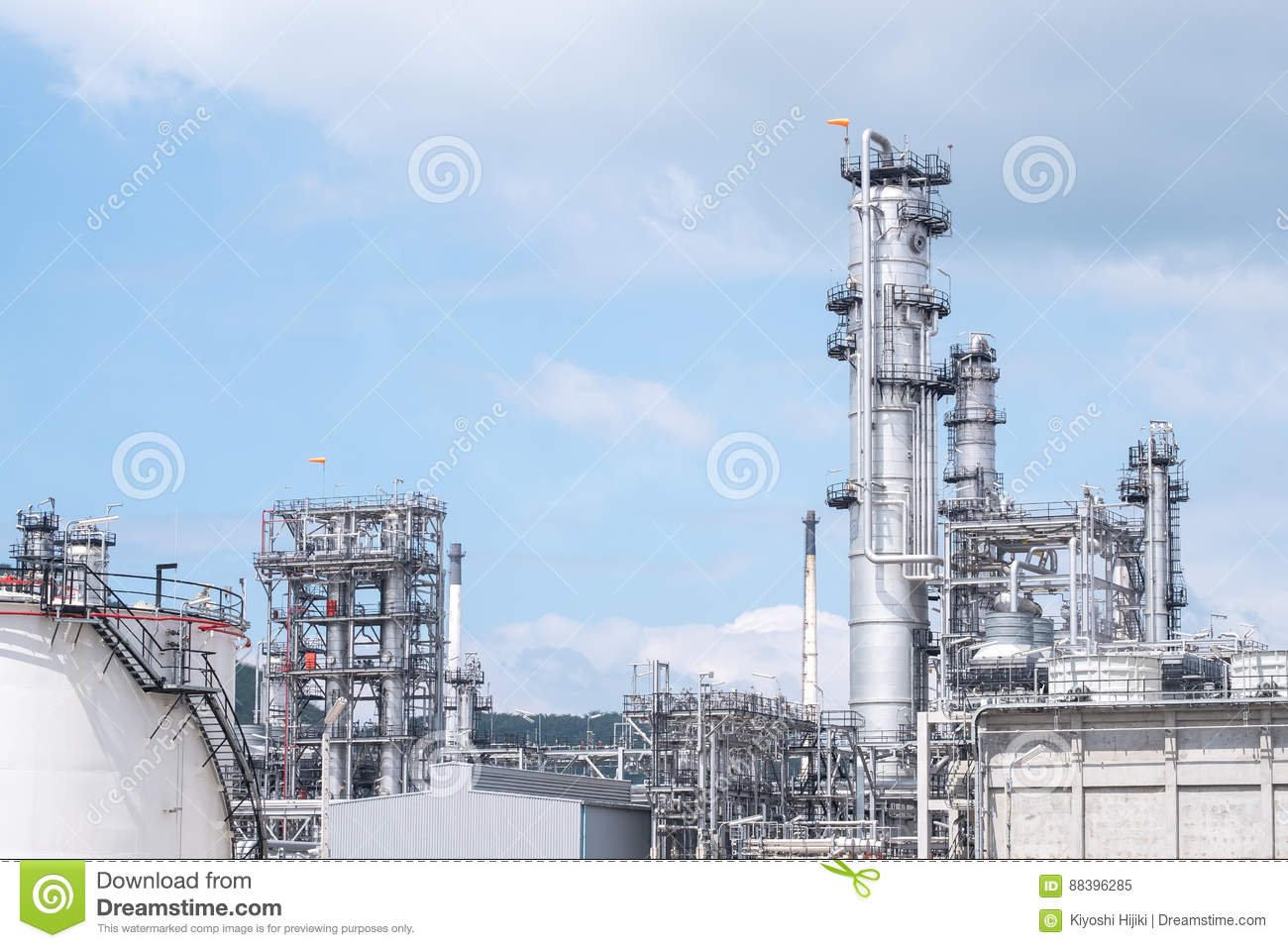 Oil refinery plant. Power and energy
