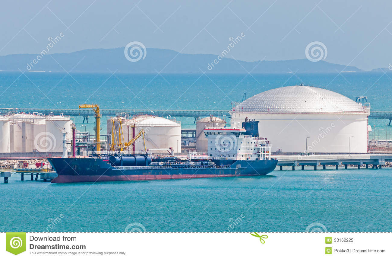 architecture of the oil tanker National technical university of athens-school of naval architecture and marine   first crude oil carrier: glucklauf (1910), 3000 tonnes of kerozene in 16 tanks.