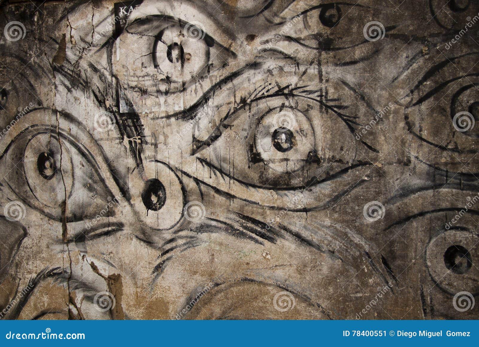 Ojos en la pared