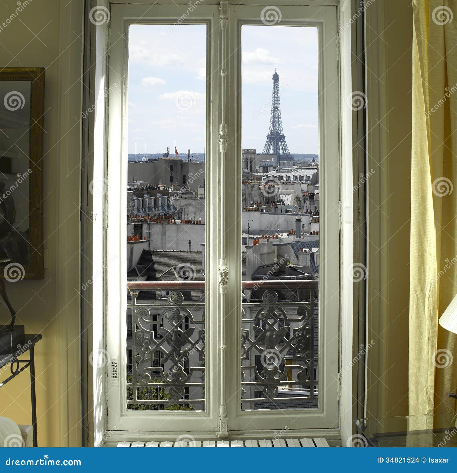 Okno z wieżą eifla w Paryż