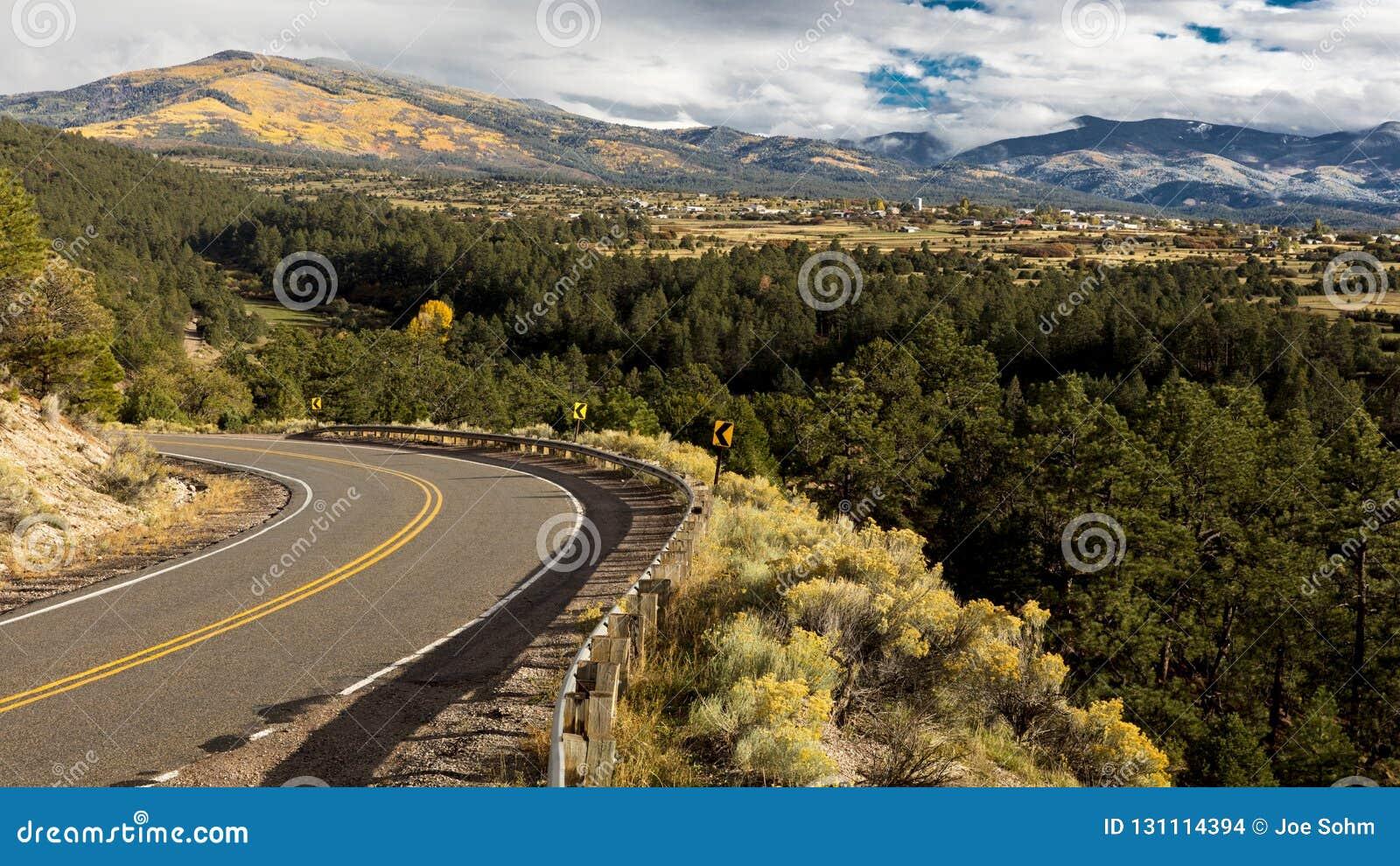 Olá! estrada a Taos, New mexico - Byway cênico nacional, Truchas, Ne