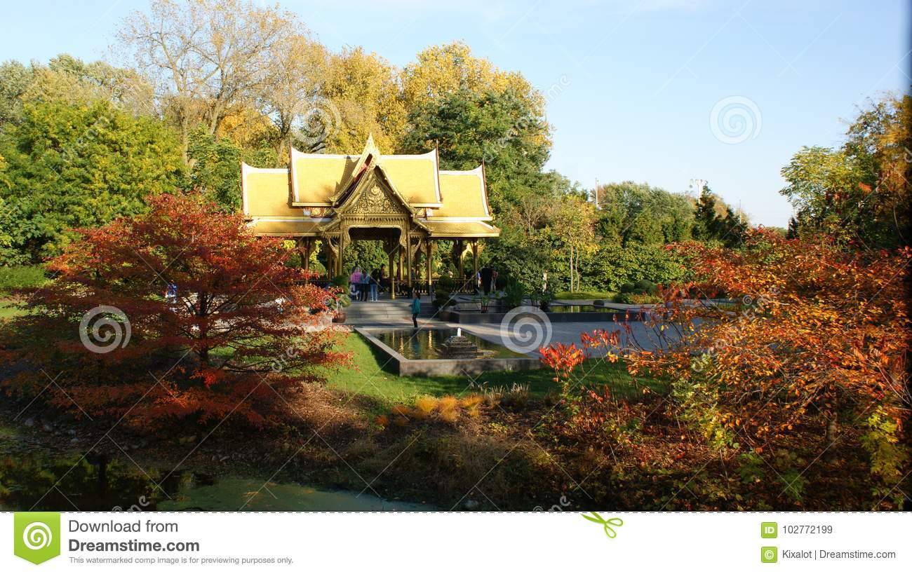 Olbrich`s Thai Pavilion In Autumn Editorial Stock Image - Image of ...