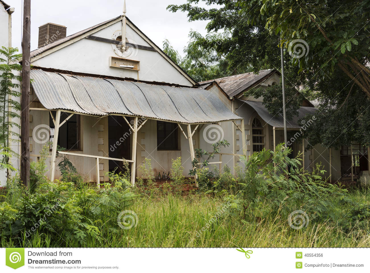 Old abandon gold mine village leydsdorp stock photo for Sa old house music