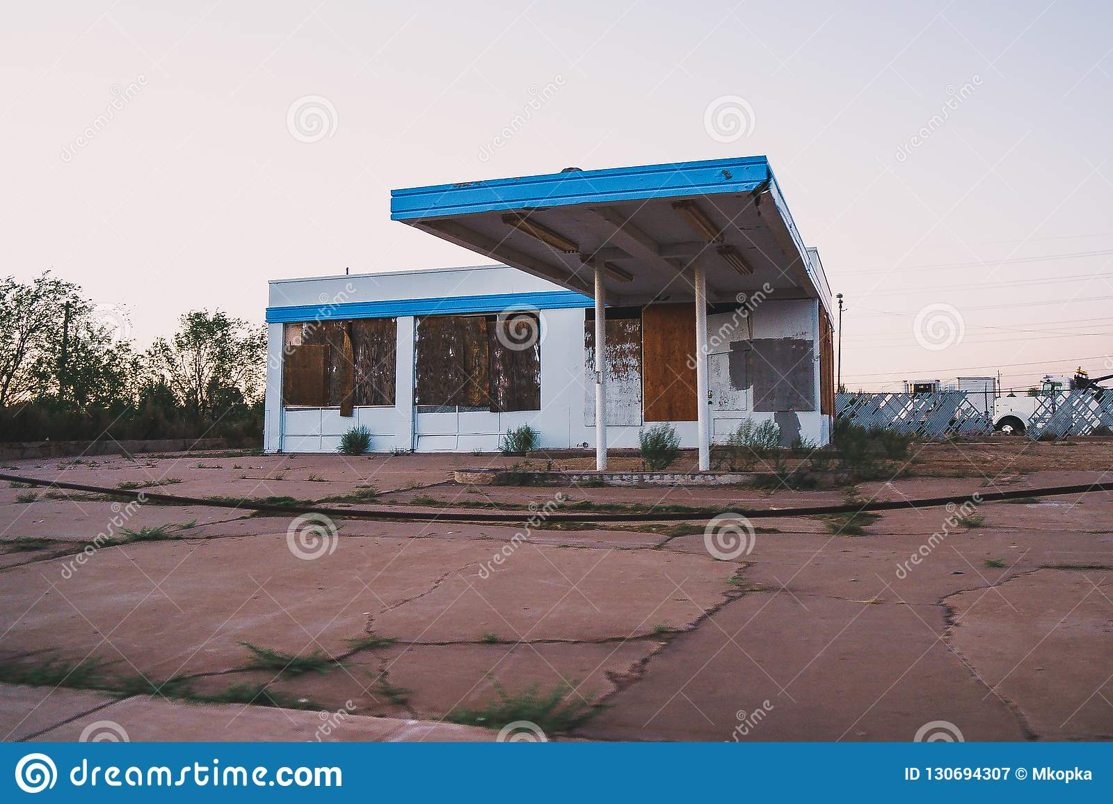 Old Abandoned Building Likely A Gas Station In Holbrook Arizona Stock Image Image Of Country Likely 130694307