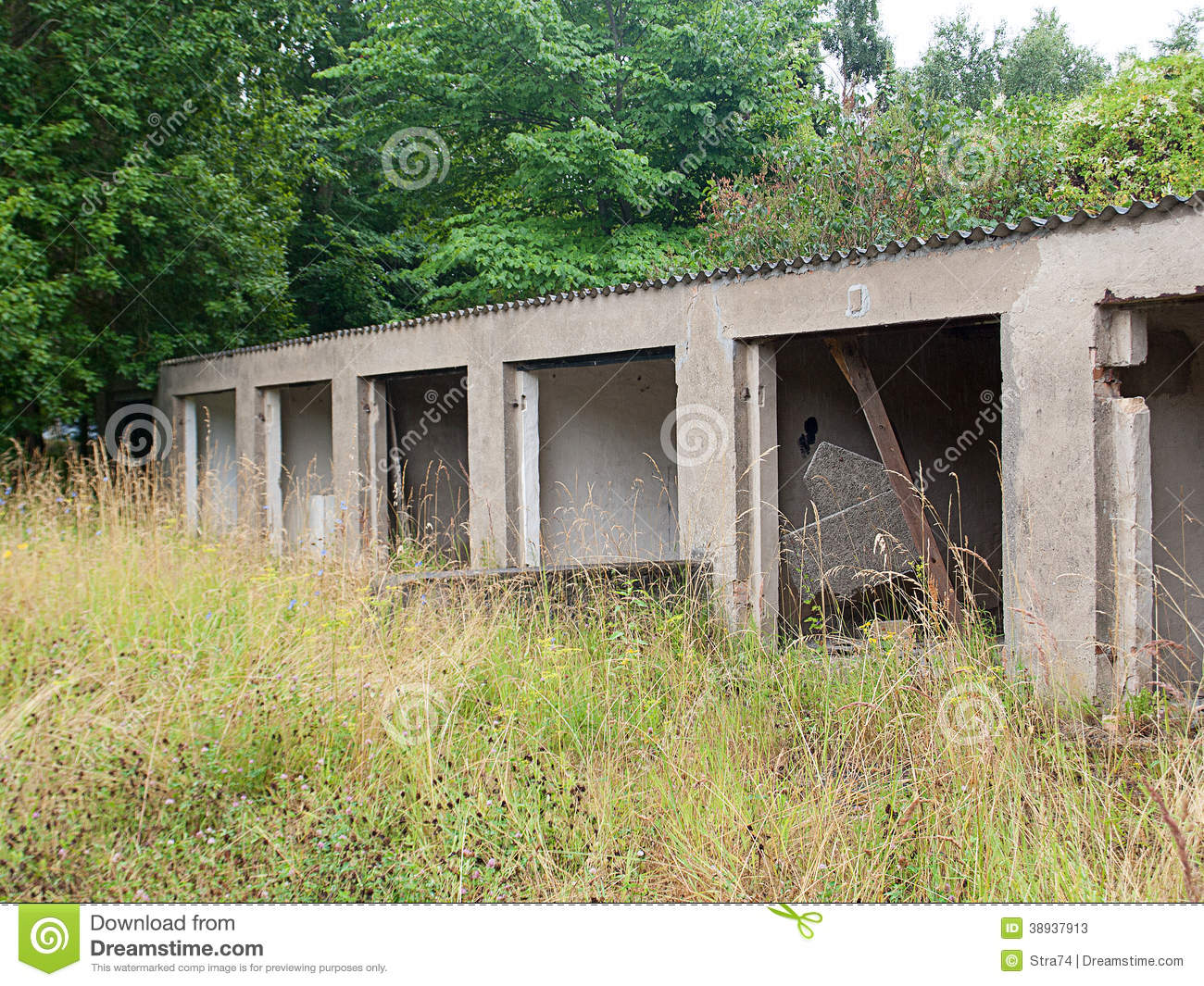 Old Abandoned Garage Stock Image Image Of Gate Ancient