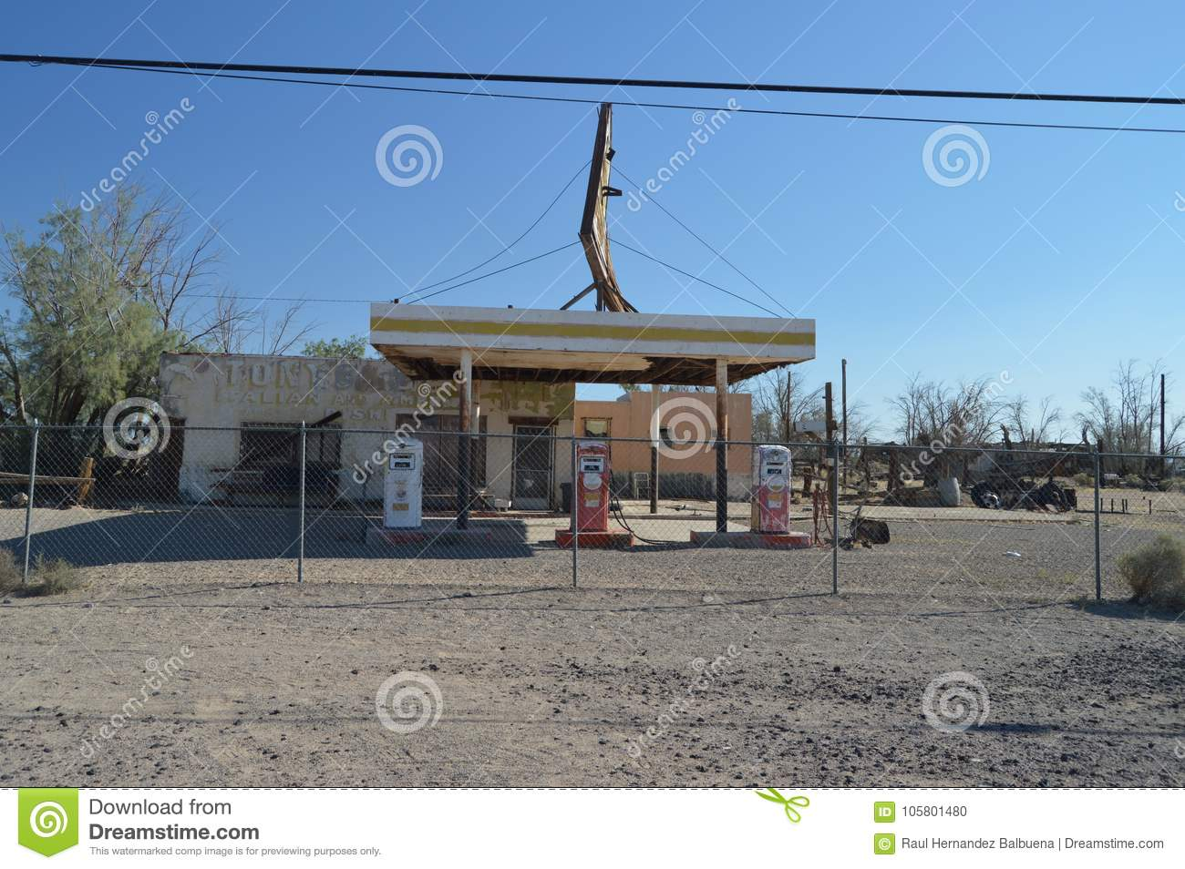 Old Abandoned Gas Station On Route 66 Editorial Image Image Of Historic Retro 105801480