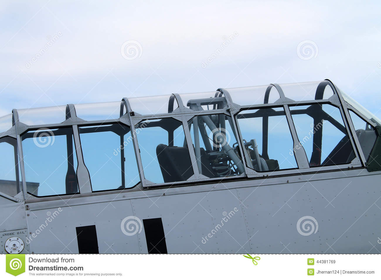 Old american fighter plane cockpit canopy & Old American Fighter Plane Cockpit Canopy Stock Photo 44381769 ...