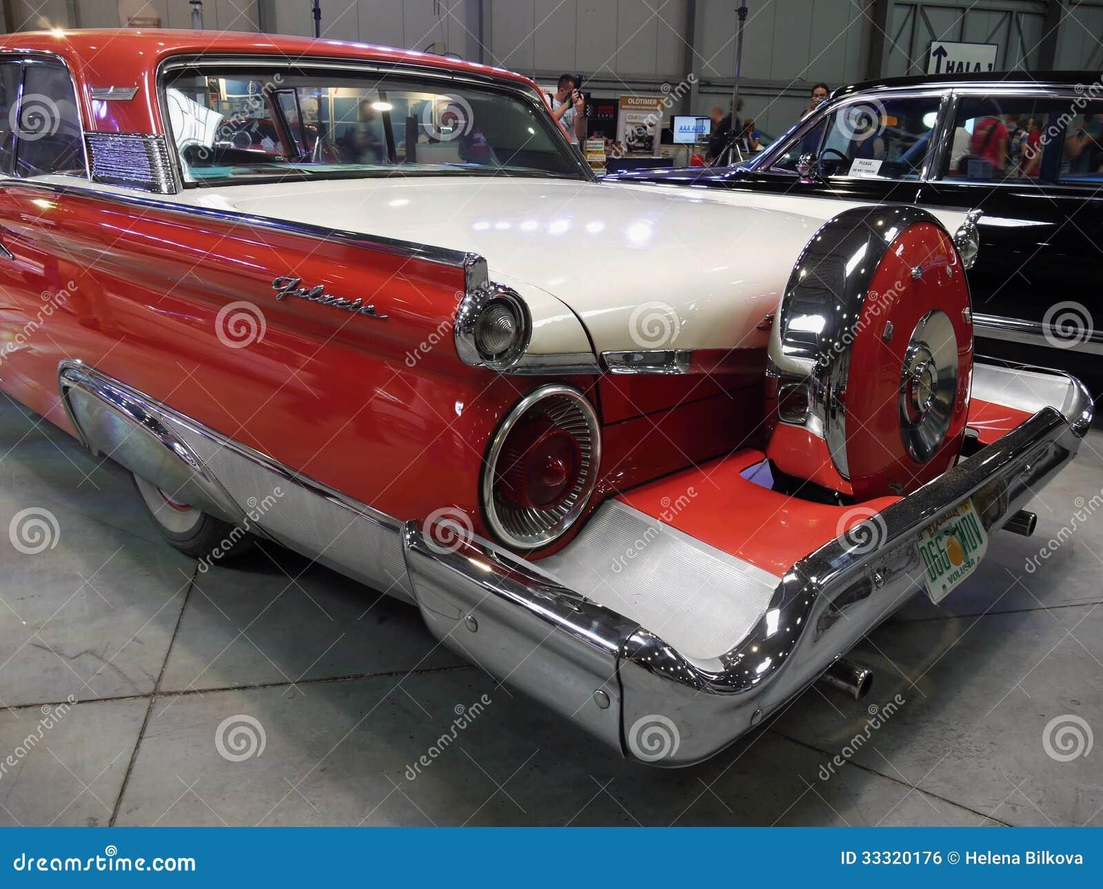 Luxury Vehicle: Old Americas Luxury Cars Motor-Show Editorial Photo
