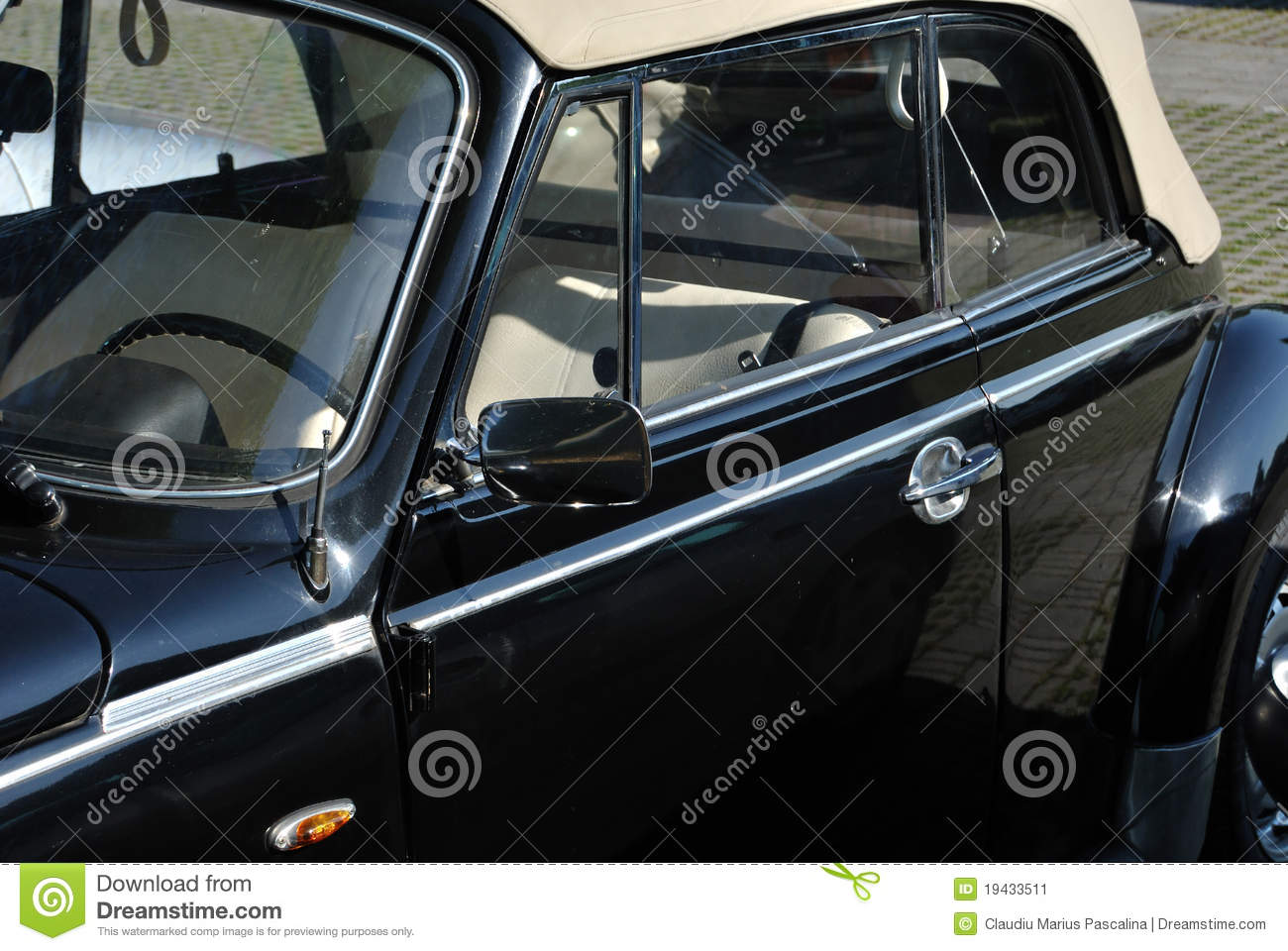 Classic Black And White VW Beetle Stock Image - Image of antenna