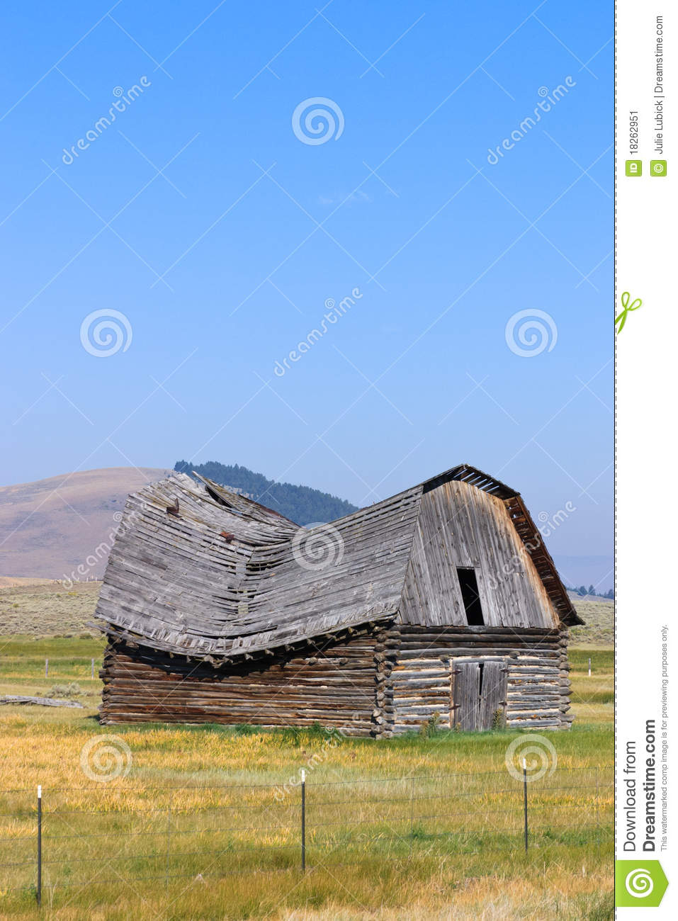 Old Barn With Sagging Roof Stock Image Image Of Blue